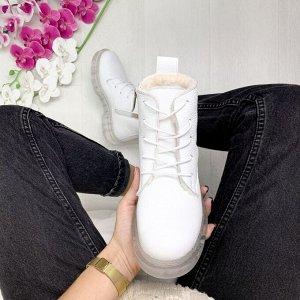 Белые кожаные ботинки KING