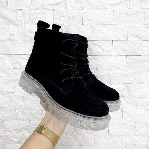 Черные замшевые ботинки KING