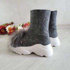 Войлочные ботинки Shark с пушками из натуральной чернобурки