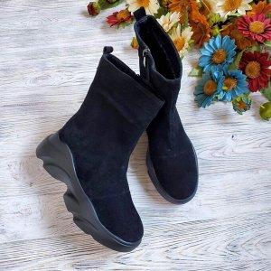 Черные замшевые ботинки Shark