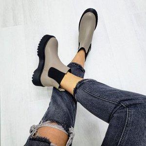 Бежевые кожаные ботинки CHELSEA Dr.
