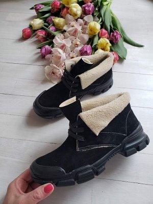 Черные замшевые ботинки LookLike