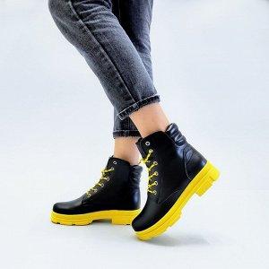 Черные кожаные ботинки SHANS  на желтой подошве