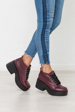 Бордовые кожаные ботинки на удобной танкетке
