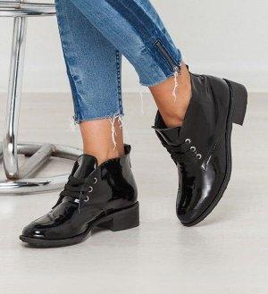 Черные лакированные ботинки Classic