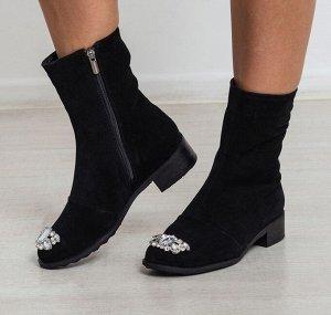 Черные замшевые ботинки CHIC
