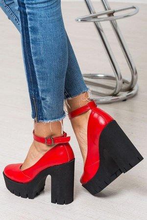 Красные кожаные туфли Mary Jane