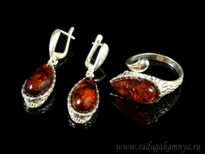 Комплект с янтарём в посеребрении кольцо, серьги капля 13*27мм коньячный 2, 7,3гр