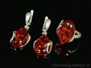 Комплект с янтарём в посеребрении кольцо, серьги капля 18*30мм коньячный, 8,7гр