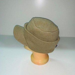 Шапка Оригинальная бежевая шапка с козырьком  №3987