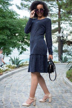 Платье Данный товар можно выбрать по расцветкам: синий, графит, серый меланж ткань: кашемир состав: 15% вискоза, 80% ПЭ, 5% лайкра Повседневное платье из кашемира. Легкое и теплое! Волан украшает плат