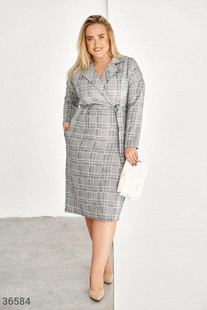 Клетчатое платье в деловом стиле