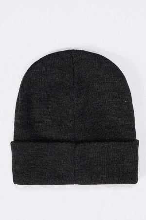 шапка Размеры модели: рост: 1,88 грудь: 89 талия: 74 Надет размер: STD  Акрил 100%