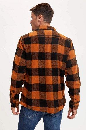 рубашка Размеры модели: рост: 1,89 грудь: 100 талия: 81 бедра: 97 Надет размер: L  Акрил 59%, Хлопок 8%,Poliamid 4%, Вискоз 8%, Полиэстер 21%