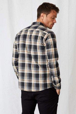 рубашка Размеры модели: рост: 1,89 грудь: 100 талия: 81 бедра: 97 Надет размер: M  Полиэстер 56%, Хлопок 37%, Вискоз 7%