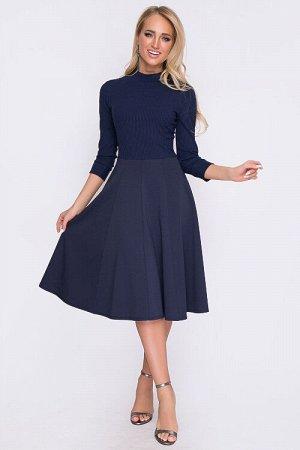 Платье Комбинированное платье.Имитация водолазки из вискозного трикотажа лапша и юбки. Состав: верх 95% вискоза,5% лайкра низ 50% вискоза,45% п/э,5% лайкра