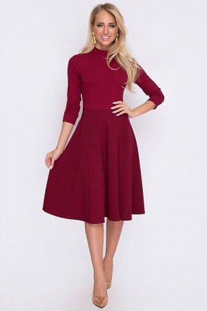 Платье Комбинированное платье.Имитация водолазки из вискозного трикотажа лапша и юбки. Состав: верх 95% вискоза,5% лайкра низ 75% вискоза,25% п/э,5% лайкра