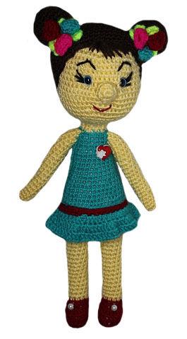 Кукла Замечательный подарок ручной работы. Связана из пряжи, наполнитель халафайбер. Ручки, ножки подвижные. Высота 30 см.
