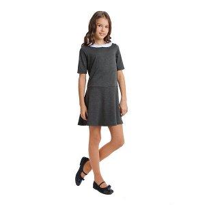 Платье Состав: 55% полиэстер, 40% вискоза, 5% эластан;  Цвет: темно-серый,белый Трикотажное платье с коротким рукавом и отрезное по талии в деловом стиле подойдет для официальных и праздничных меропри