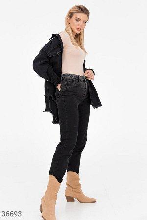 Черные прямые джинсы с потертостями