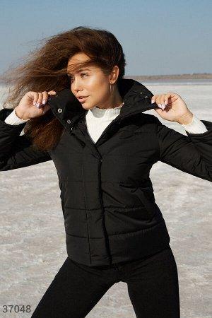 Теплая черная куртка