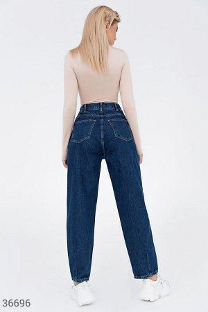 Трендовые джинсы slouchy синего оттенка
