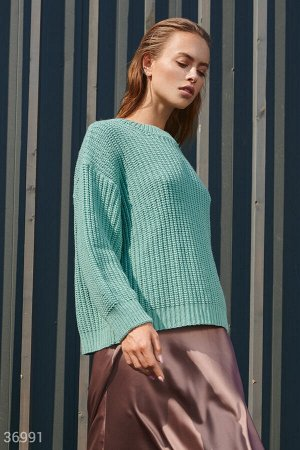 Мятный свитер свободного кроя