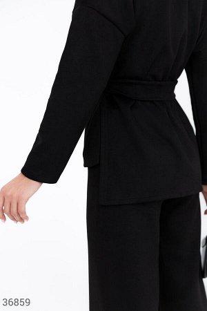 Черный брючный костюм из замши