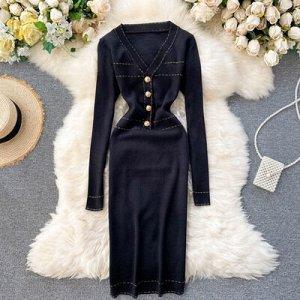 Платье осенне-зимнее новое,  v-образный вырез черное