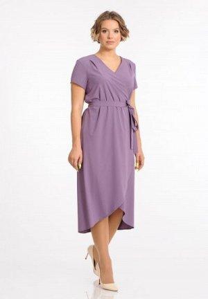 Платье Состав: 50%вискоза50%полиэстер Рост: 170 Описание модели: Платье на запах с удлиненной спинкой. V-образный вырез, завязывается поясом. По полочке и спинке двойная кокетка с мягкими складками. К