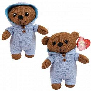 Мягкая игрушка ABtoys. Мишка вязаный, 22 см. в голубом комбинизончике528
