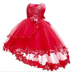 Детское платье, красное, со шлейфом