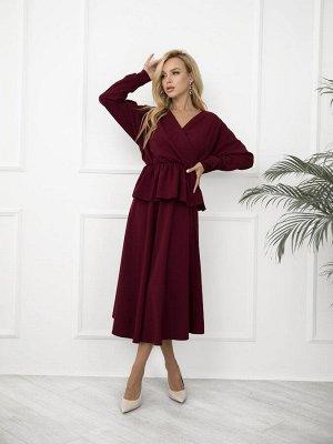 Бордовый юбочный костюм с баской