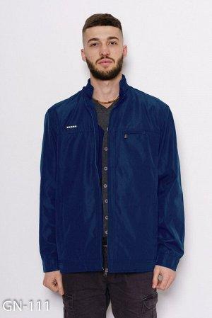 Синяя тонкая куртка на молнии с велюровым декором