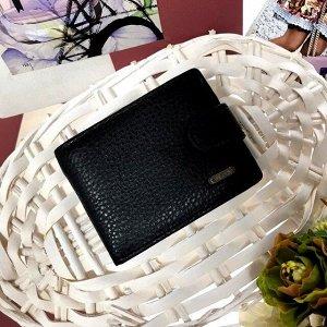 Мужской кошелек Wedis из натуральной кожи чёрного цвета.