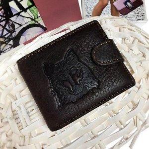 Дизайнерский мужской кошелек Volf из натуральной матовой кожи цвета горького шоколада.