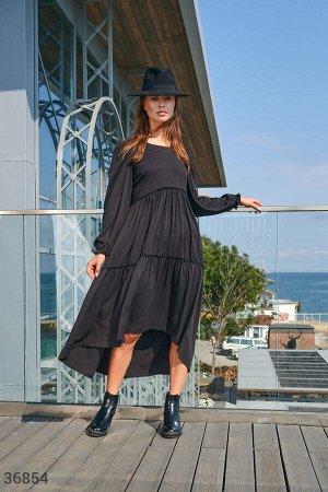 Романтичное черное платье с воланами