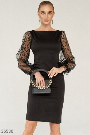 Вечернее платье с утонченной вышивкой