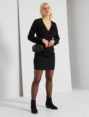 Короткое платье с запахом