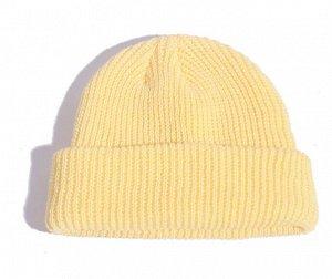 Шапка-бини светло-желтая