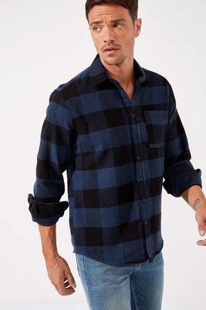 рубашка Размеры модели: рост: 1,89 грудь: 100 талия: 81 бедра: 97 Надет размер: M  Акрил 59%, Хлопок 8%,Poliamid 4%, Вискоз 8%, Полиэстер 21%