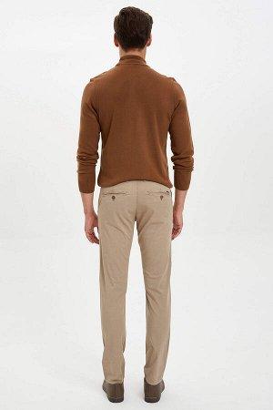 брюки Размеры модели: рост: 1,86 грудь: 96 талия: 82 бедра: 94 Надет размер: размер 30 - рост 32  Хлопок 97%,Elastan 3%