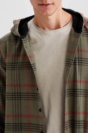 рубашка Размеры модели: рост: 1,92 грудь: 96 талия: 80 бедра: 95 Надет размер: M  Хлопок 70%, Полиэстер 30%