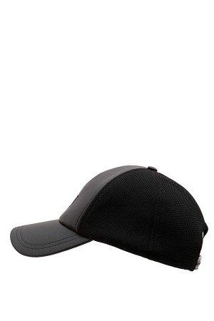 шапка Размеры модели: рост: 1,88 грудь: 95 талия: 70 Надет размер: STD Poli?retan 100%
