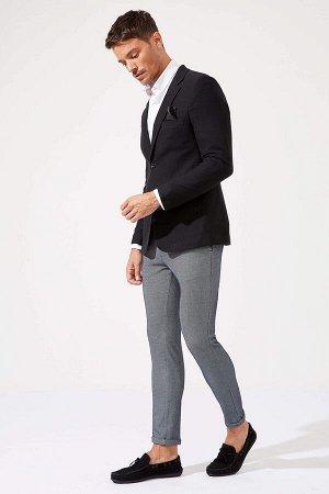 брюки Размеры модели: рост: 1,89 грудь: 100 талия: 81 бедра: 97 Надет размер: размер 32 - рост 32  Полиэстер 88%,Elastan 4%, Хлопок 8%