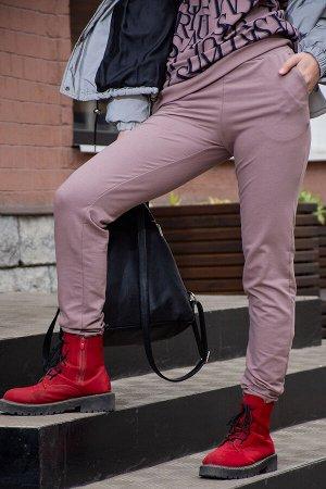 Брюки Бренд: Натали. Ткань: футер 2-х нитка  Состав: 95% хлопок, 5% п/э  Женские брюки с резинкой по низу и карманами по бокам - вариант на каждый день. Лаконичность и комфорт представленной модели по