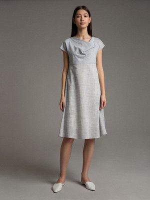 Платье Состав ткани: Хлопок 55%, Полиэстер 45% Длина: 104 См. Описание модели Серое платье А-силуэта. Модель имеет цельнокроеный короткий рукав, воротник качель. Имеет подклад из вискозы. Подойдет для