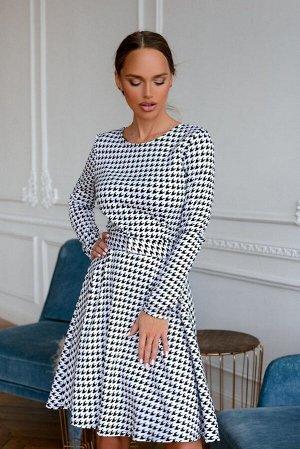 Платье Платье « гусинная лапка» - геометрический тандем сложных черных и белых узоров -настоящий хит этого сезона! Данная модель- прекрасный вариант на любое время года. Актуальный фасон - элегантная