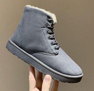 Зимние ботинки на шнурках  серые