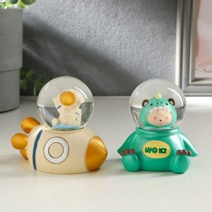 "Сувенир полистоун водяной шар, свет ""Космонавт и ракета"" от батареек МИКС 7,5х8х5 см   511480"